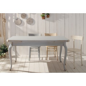 Extendable table 626