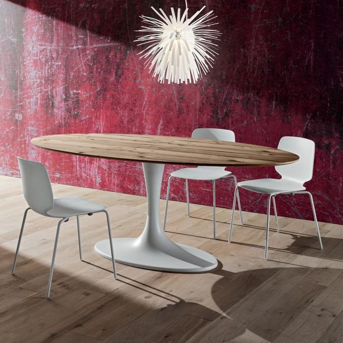 Tavolo Fisso Ovale Ruud Con Piano In Vetro Fenix Ed Impiallacciato Rivisitazione Del Tavolo Tulip Di Saarinen