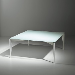 NORDIC 80 Q SIDE TABLE