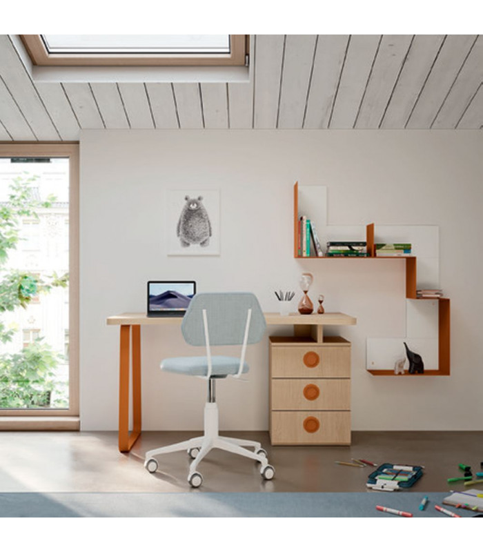 DESK WITH SHAPED TOP