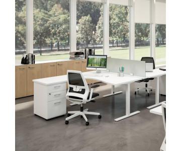Scrivanie ufficio e postazioni per gruppi di lavoro. Online da Arredinitaly